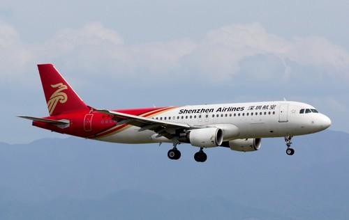самолет Shenzhen Airlines